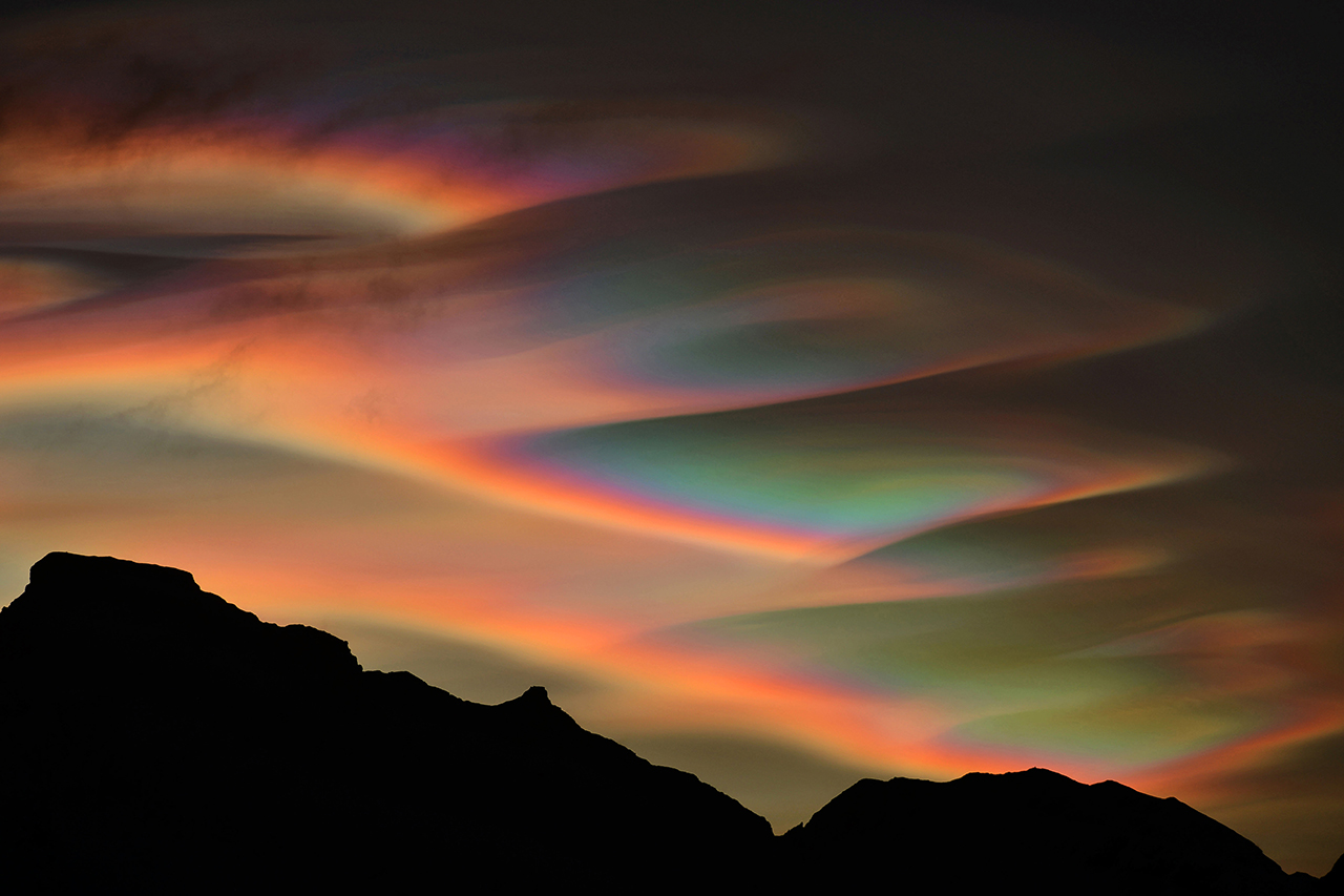 Nacreous Clouds © Bartlomiej Jurecki