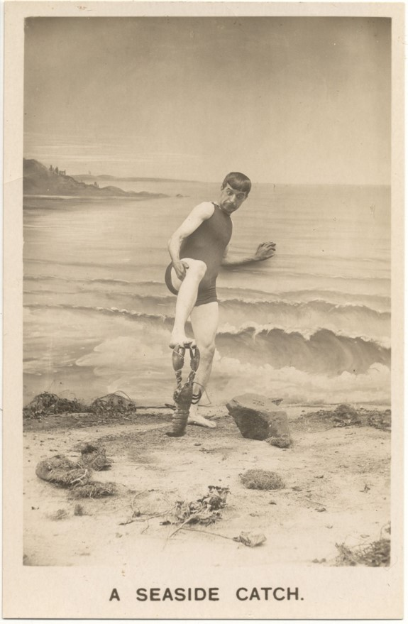 Image of 'A Seaside Catch' postcard