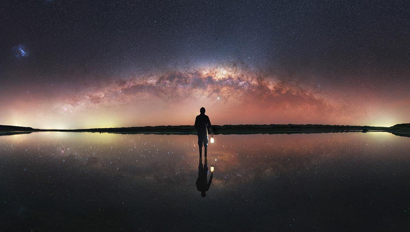 PS-92919-7_Uncropped_Self-portrait under the Milky Way © Evan McKay.jpg
