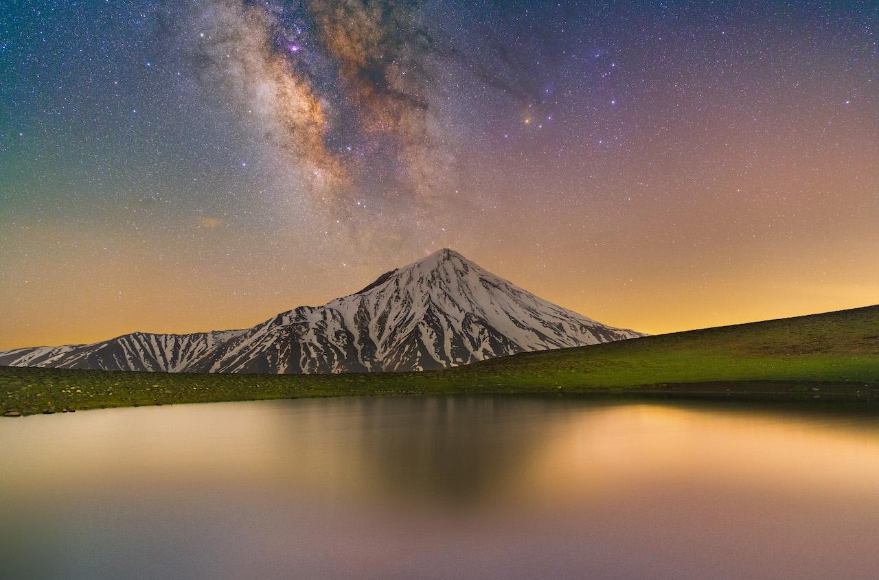 An image showing 'Glory of Damavand and Milky Way'