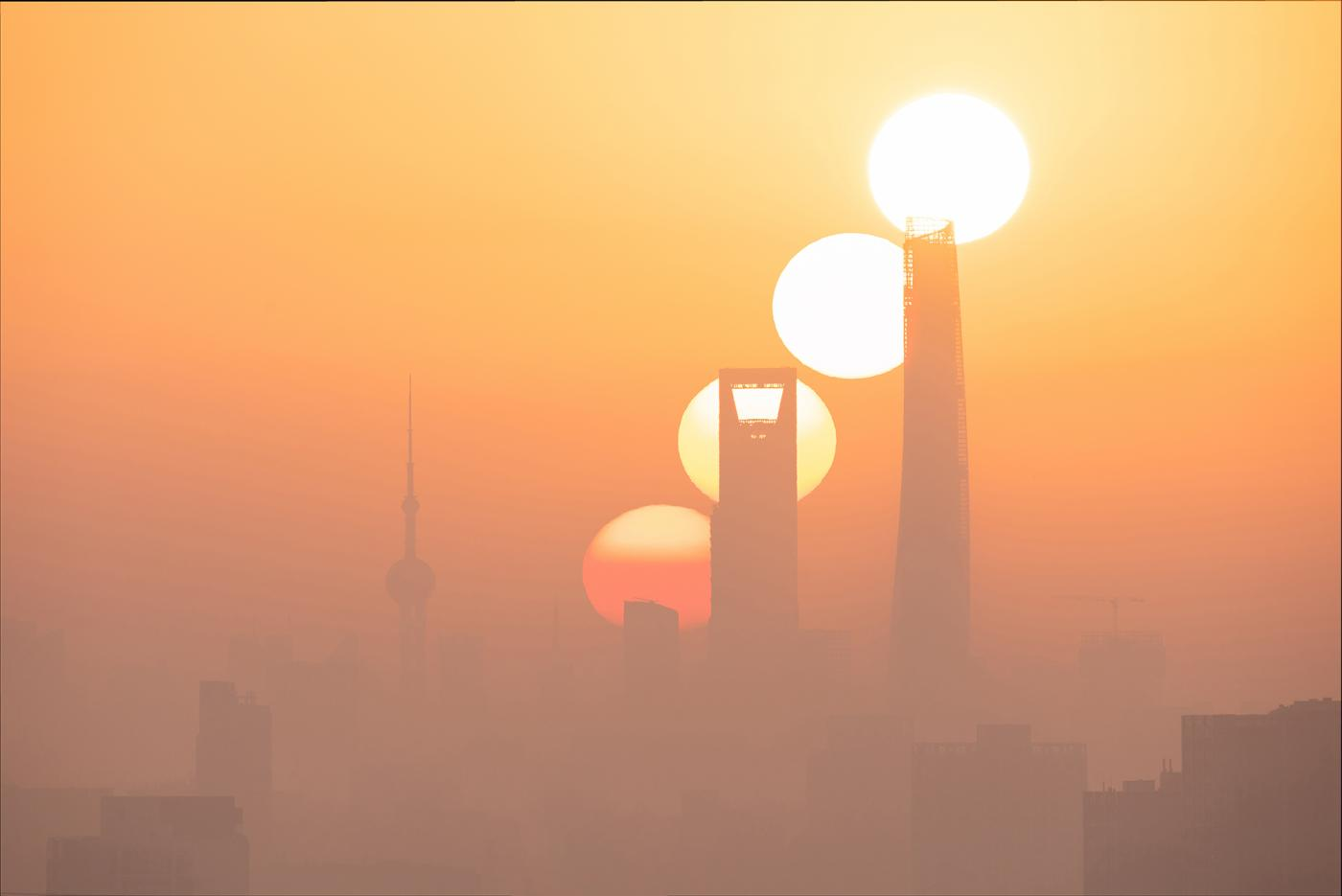 An image showing 'Sunrise of the Magic City'