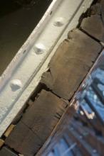 Original teak hull planks as you enter the ship © National Maritime Museum