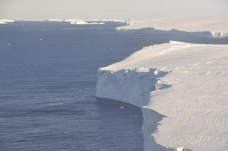 The ice front of the Thwaites Glacier in 2019